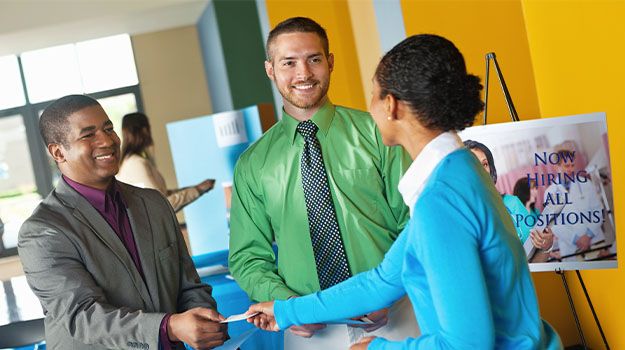 How to Make a Great Impression at Career Fairs