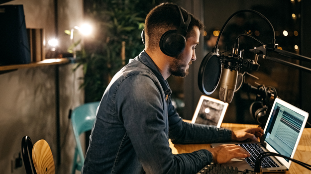 5 Ways Starting a Podcast Can Help You Reach Your Career Goals